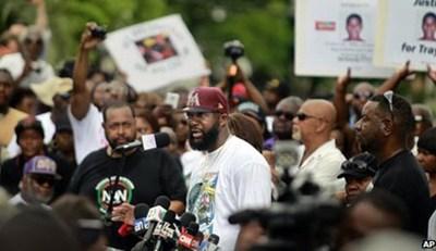 210713L.Trayvon-Martin's-fa