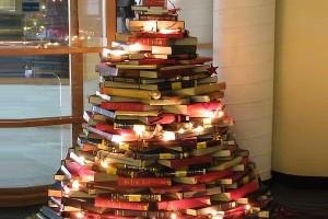 Book-Christmas-Tree-600x400